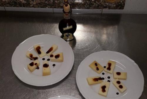 Pecorino Sardo met balsamico